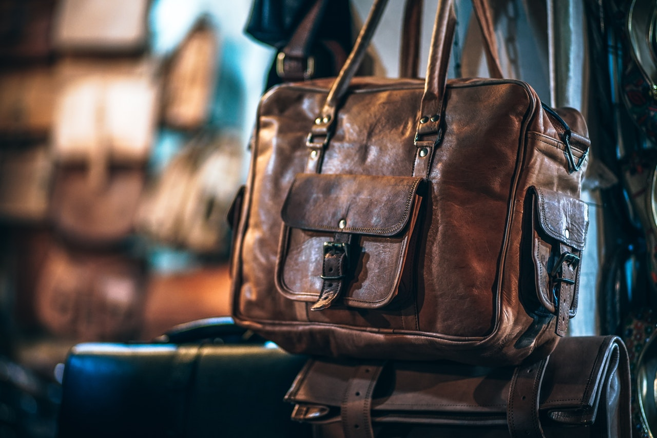 HANDBAGS & OTHER LEATHER REPAIRS